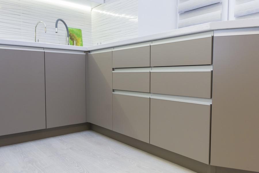 Белый кухонный гарнитур-Кухня МДФ в ПВХ «Модель 9»-фото5