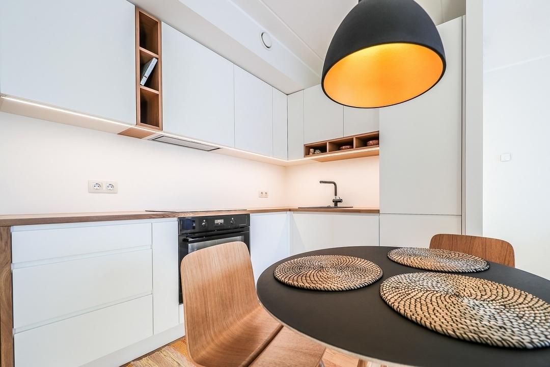Белый кухонный гарнитур-Кухня МДФ в эмали «Модель 607»-фото2