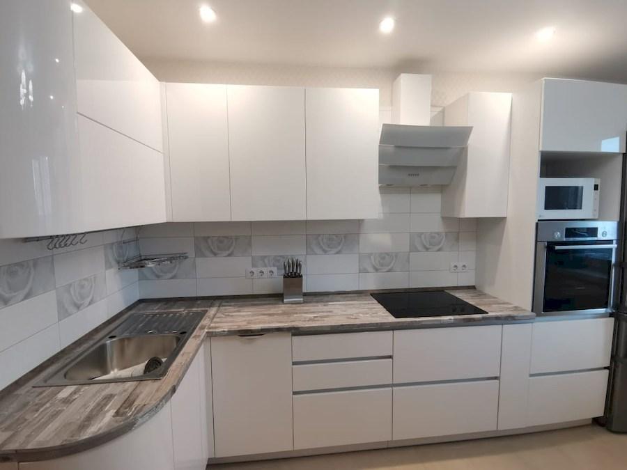Белый кухонный гарнитур-Кухня МДФ в ПВХ «Модель 574»-фото3