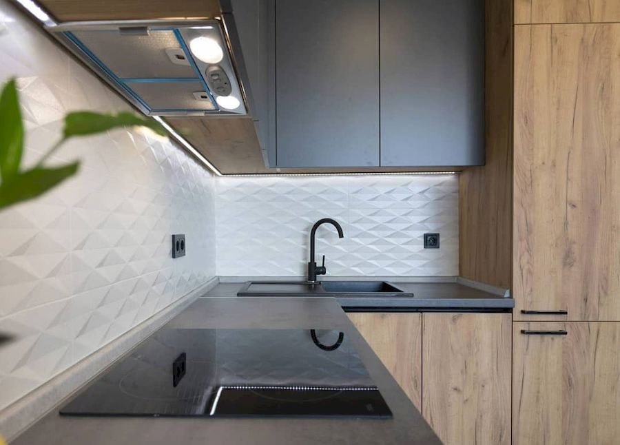 Высокие кухни под потолок-Кухня из пластика «Модель 671»-фото3