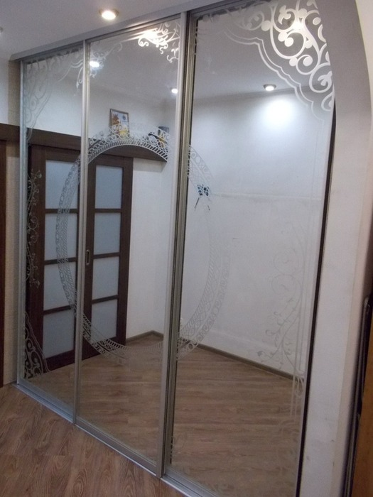 Белые шкафы-купе-Шкаф-купе с зеркалом «Модель 99»-фото1