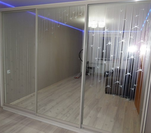 Белые шкафы-купе-Шкаф-купе с зеркалом «Модель 309»-фото2